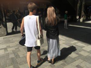 Il mio buongiorno: In Cina la borsetta la porta il maschio